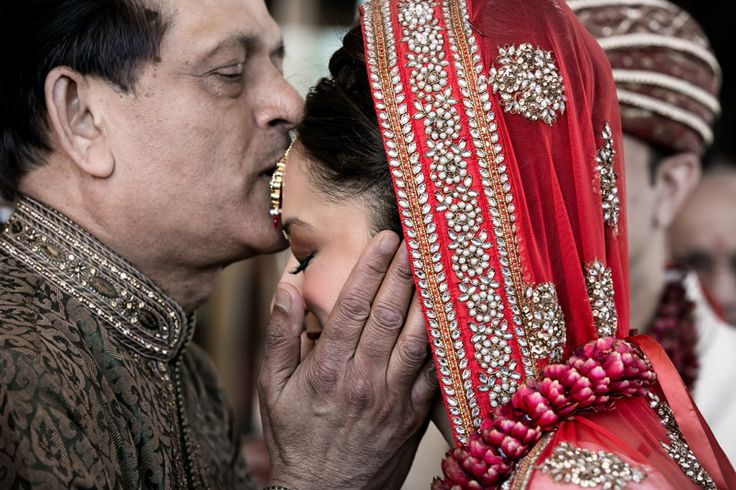 5 Special Moments Between Father & Daughter On Her Wedding Day